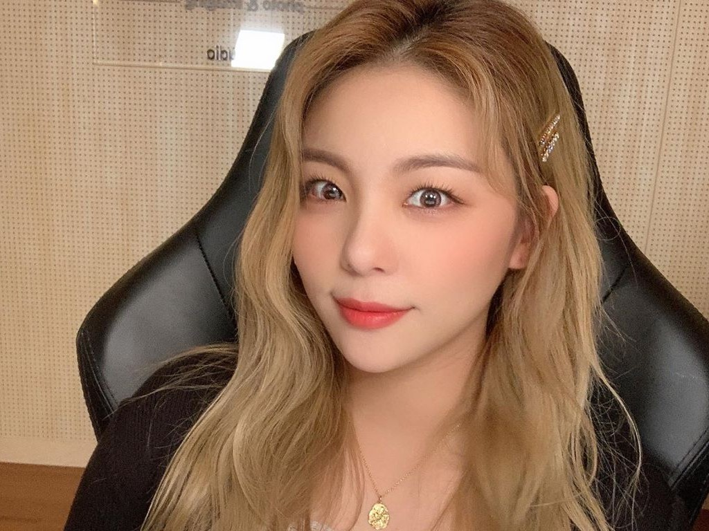 Ailee White